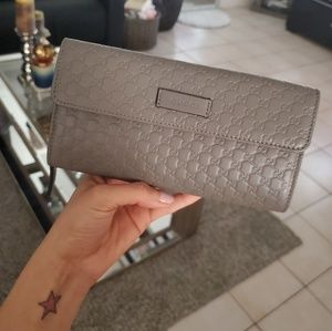 Gucci Mircro GG Continental Style Wallet
